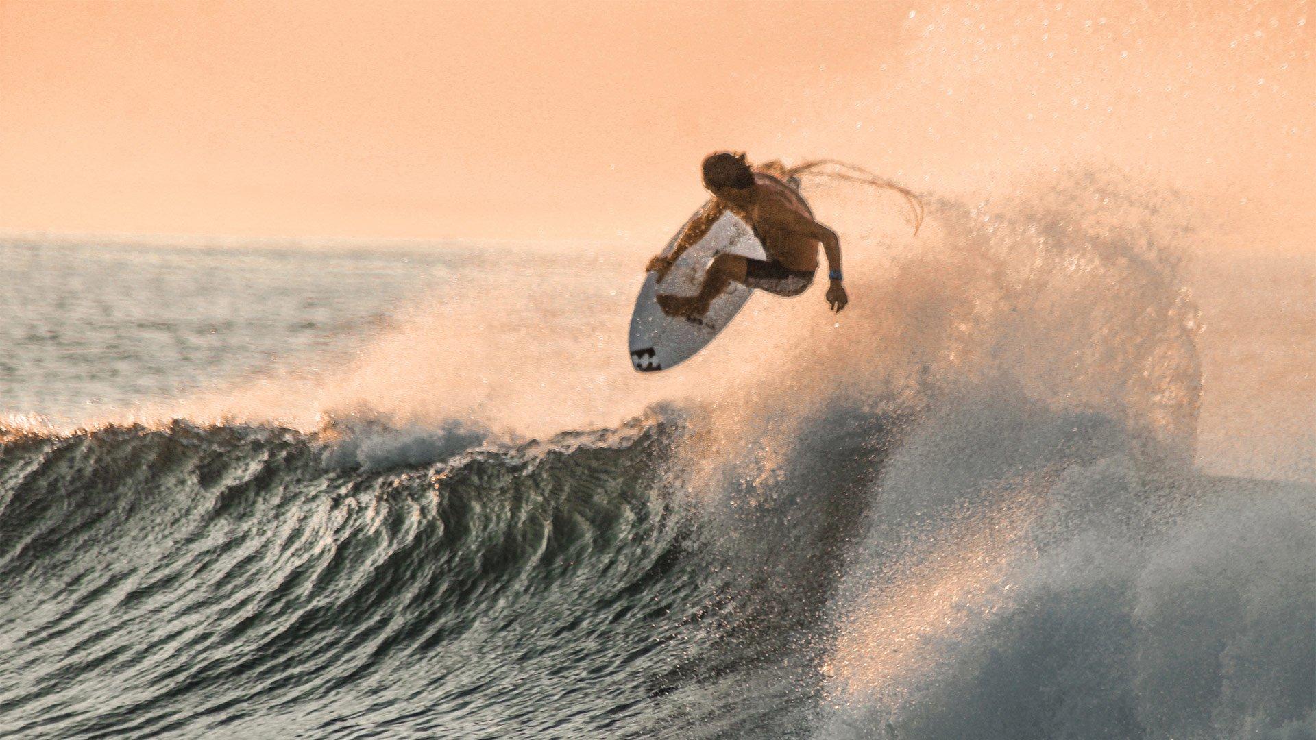 La promesa del surf Bryan Pérez ya forma parte de la familia Hype Energy